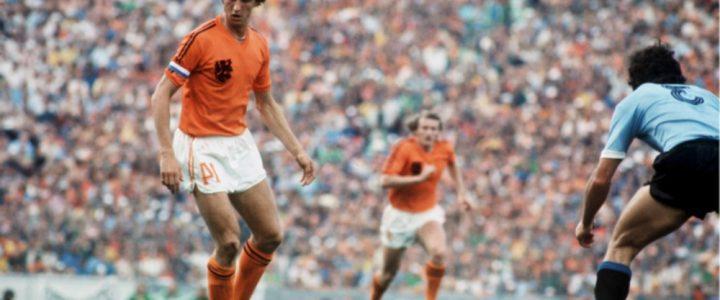 Kisah Johan Cruyff Taklukkan Adidas