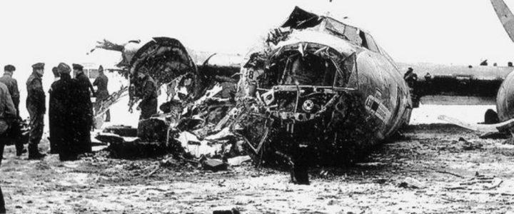 Bobby Charlton, Dari Tragedi Munich Menjadi Legenda